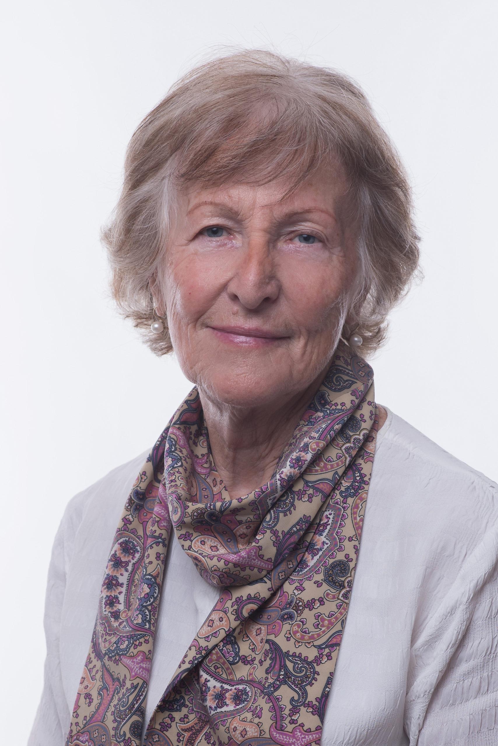 Dne 21. listopadu 2019 udělilo Zastupitelstvo města Pardubice ocenění Medailí města Pardubic paní Ing. Haně Demlové za její dlouhodoběvýznamnýpřínosproměstoPardubice. V následujících řádcích Vám přiblížíme kariéru paní Hany Demlové v Pardubicích. Počátky kariéry Její…